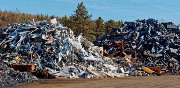 sterty złomu, odpady, metale