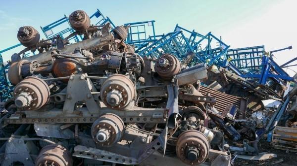 złomowisko metali, wałów od samochodu